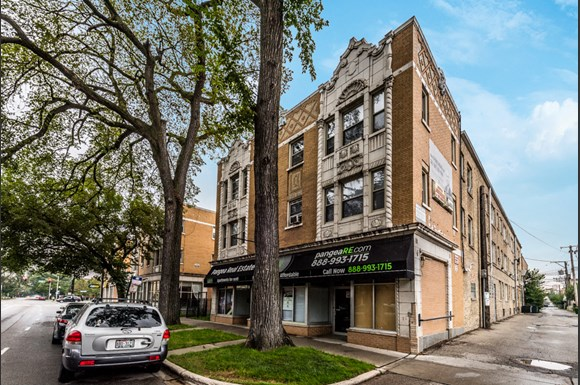 Austin Apartments for rent in Chicago   5957 W Madison