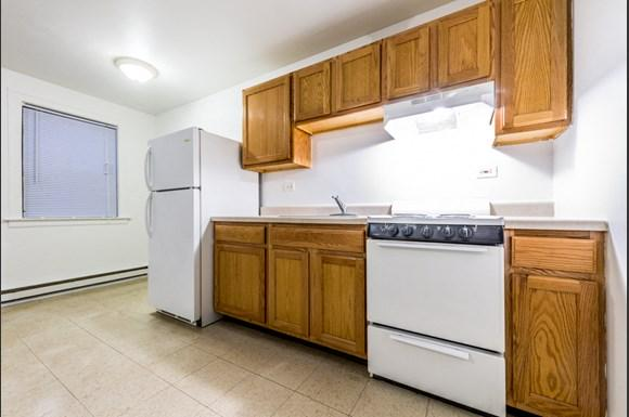 Austin Apartments for rent in Chicago   5957 W Madison Kitchen