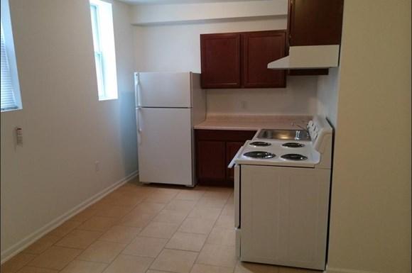 2606 Talbot Rd Apartments Baltimore Kitchen