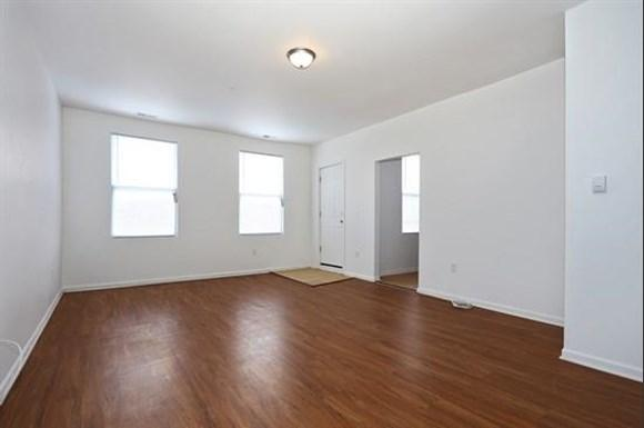 2606 Talbot Rd Apartments Baltimore Living Room