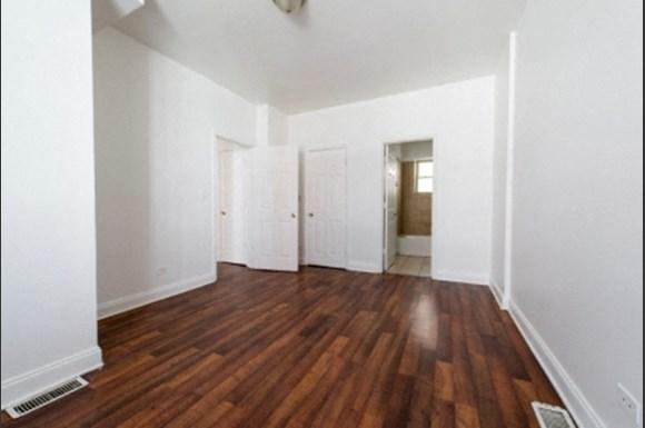 7241 S Phillips Ave Apartments Chicago Bedroom