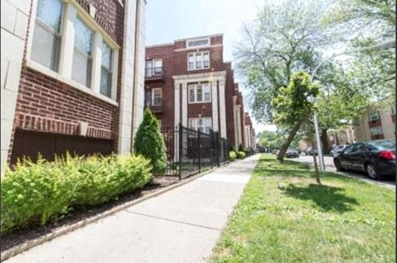7241 S Phillips Ave Apartments Chicago Exterior