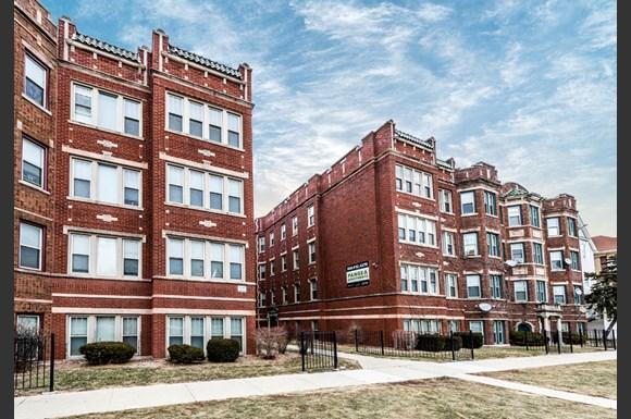South Austin Apartments for rent in Chicago | 5952 W Superior