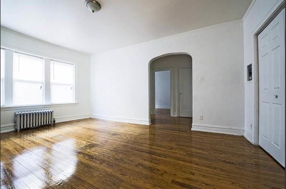 4815 W Cortez St Apartments Chicago Living Room
