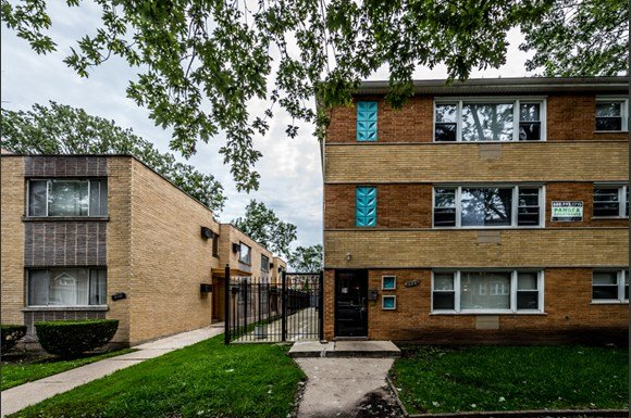 Chatham Apartments for rent in Chicago | 8345 S Drexel Ave