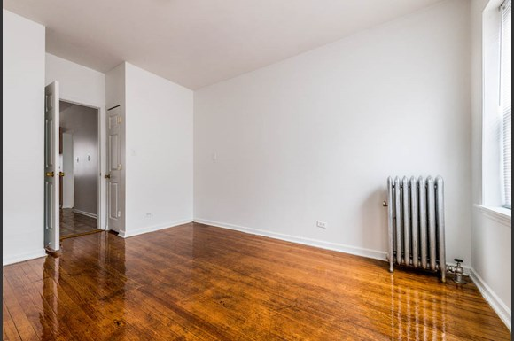 7440 S Phillips Ave Apartments Chicago Bedroom