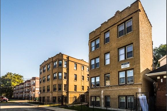 7701 S Stewart Ave Apartments Chicago Exterior