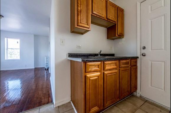 7701 S Stewart Ave Apartments Chicago Kitchen