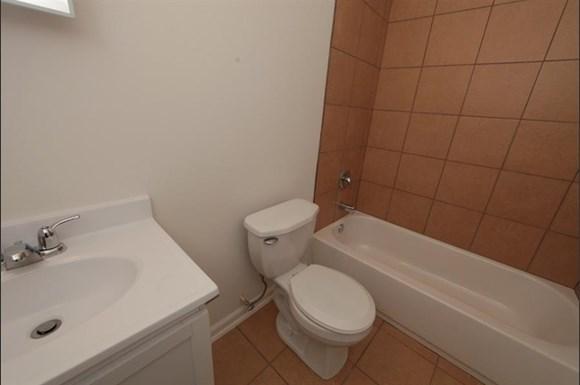 3302 Clifton Ave Apartments Baltimore Bathroom