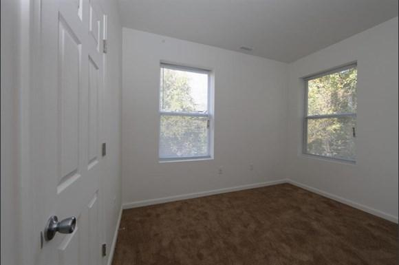 3302 Clifton Ave Apartments Baltimore Bedroom