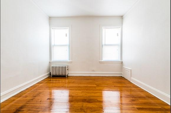 South Shore Apartments for rent in Chicago   7700 S Kingston Bedroom