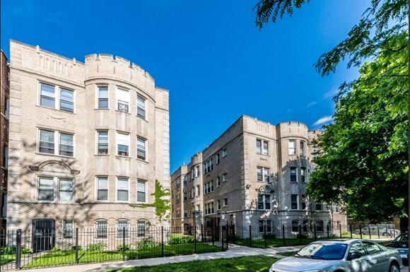 South Shore Apartments for rent in Chicago   7700 S Kingston