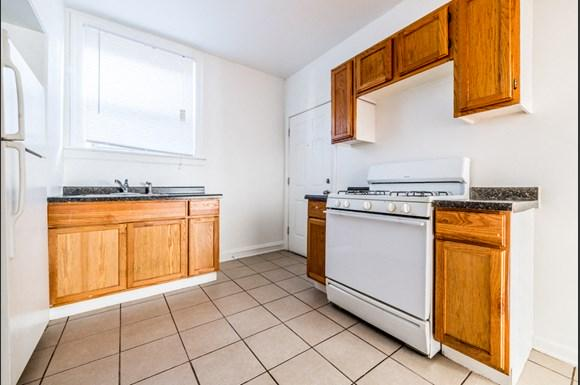 South Shore Apartments for rent in Chicago   7700 S Kingston Kitchen