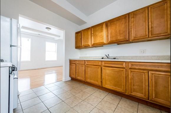 South Shore Apartments for rent in Chicago | 2817 E 77th St Kitchen