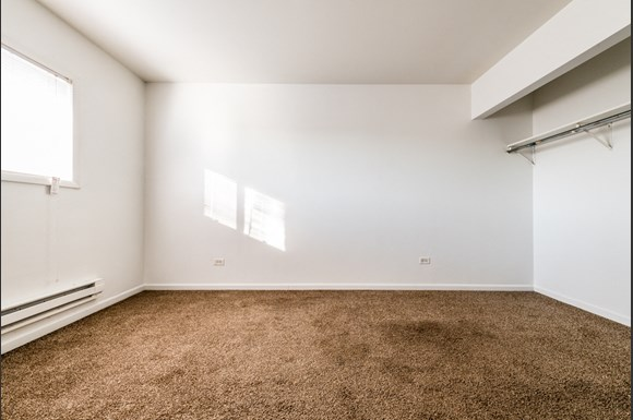 Maywood Apartments for Rent | 2115 S 4th Ave Bedroom