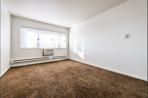 Maywood Apartments for Rent   2115 S 4th Ave Living Room