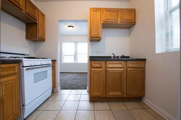 6700 S Indiana Ave Apartments Chicago Kitchen