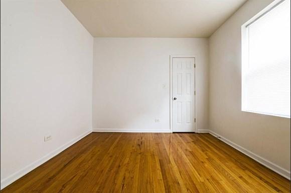 8251 S Ellis Ave Apartments Chicago Bedroom
