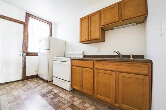 6458 S Fairfield Ave Apartments Chicago Kitchen