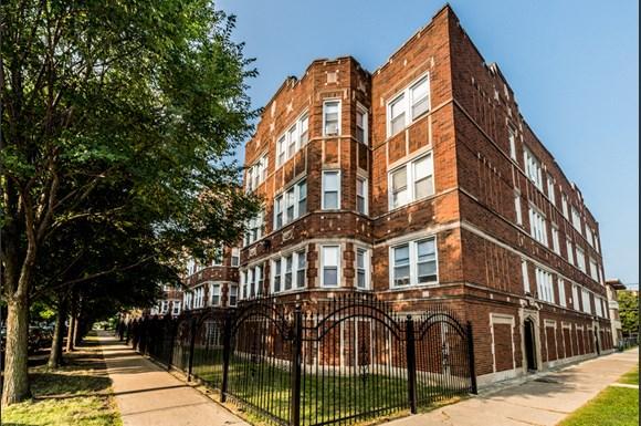 Auburn Gresham Apartments for rent in Chicago | 8000 S Paulina
