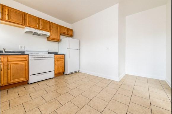 Auburn Gresham Apartments for rent in Chicago | 8000 S Paulina Kitchen