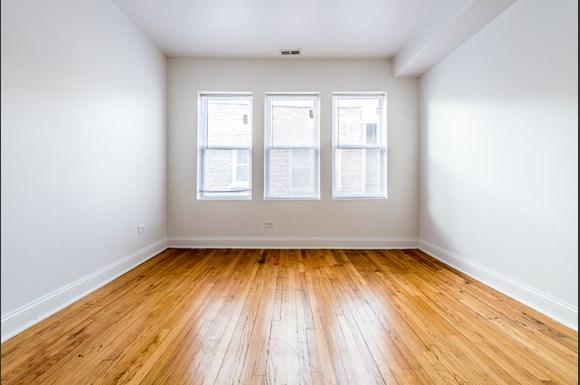 Auburn Gresham Apartments for rent in Chicago | 8000 S Paulina Living Room