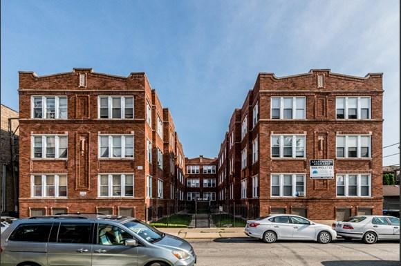 Park Manor Apartments for rent in Chicago   212 E 69th Pl