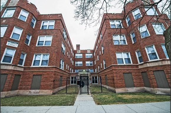 8152 S Evans Ave Apartments Chicago Exterior