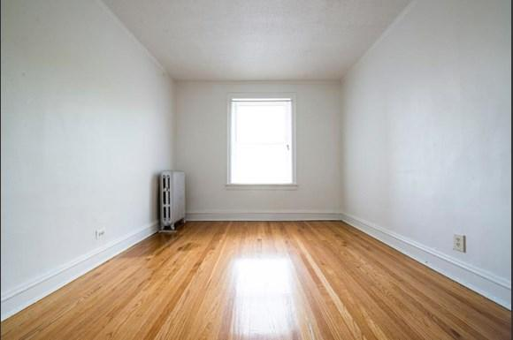 7917 S Drexel Blvd Apartments Chicago Bedroom