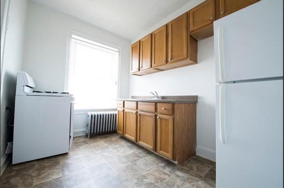7917 S Drexel Blvd Apartments Chicago Kitchen
