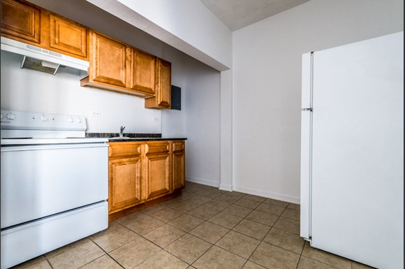 4901 S Drexel Blvd Apartments Chicago Kitchen