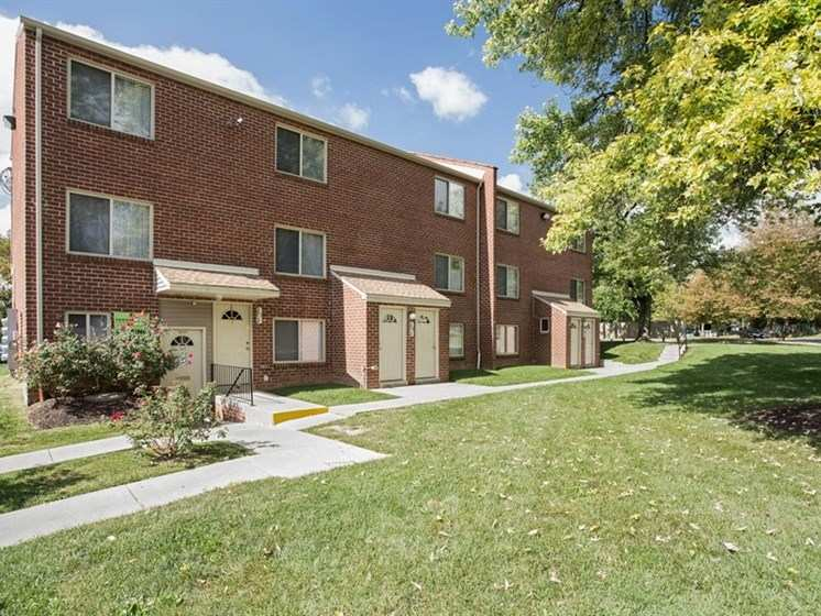 Pangea Oaks Apartments in Baltimore, MD
