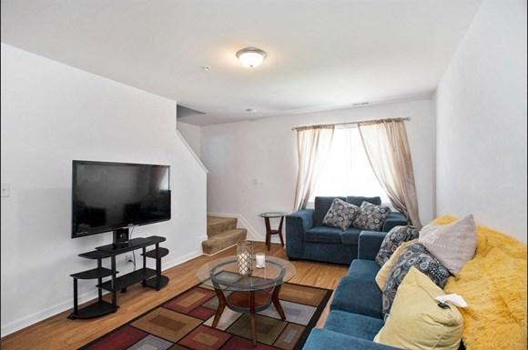 Garwyn Oaks Apartment Living Room