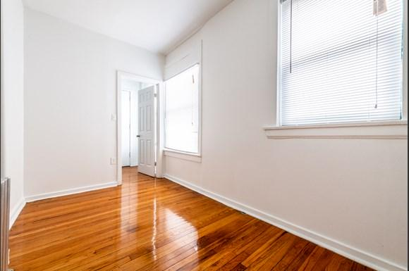 South Shore Apartments for rent in Chicago   2900 E 91st St. Bedroom