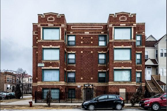 South Shore Apartments for rent in Chicago   2900 E 91st St.