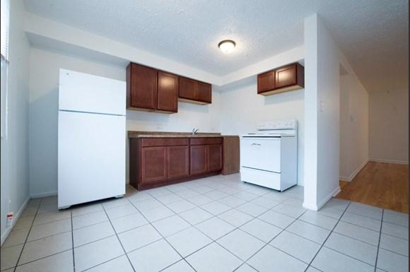 6022 S Indiana Ave Apartments Chicago Kitchen