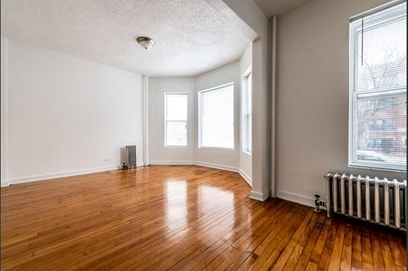Pangea Auburn Gresham Apartments for rent in Chicago   7643 S Stewart Living Area