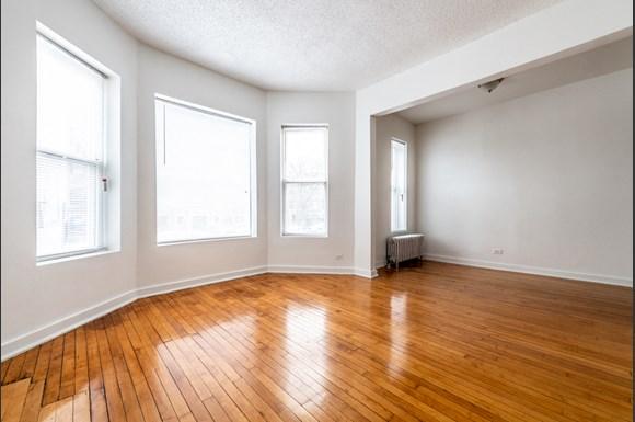 Pangea Auburn Gresham Apartments for rent in Chicago | 7643 S Stewart Living Area