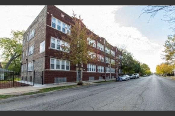 7751 S Loomis Apartments Chicago Exterior