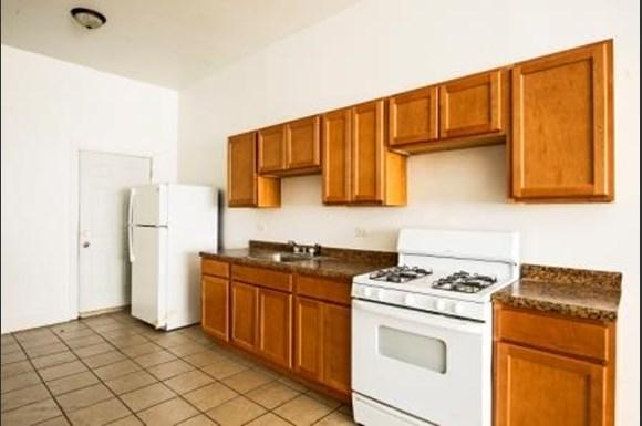 2838 E 91st St Apartments Chicago Kitchen