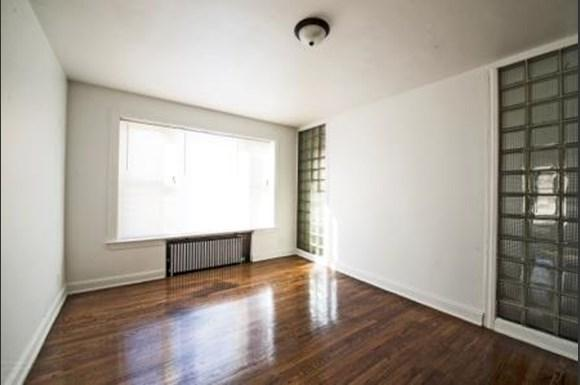 2838 E 91st St Apartments Chicago Living Room