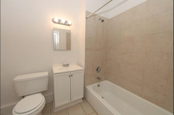 3512 Clifton Ave Apartments Baltimore Bathroom