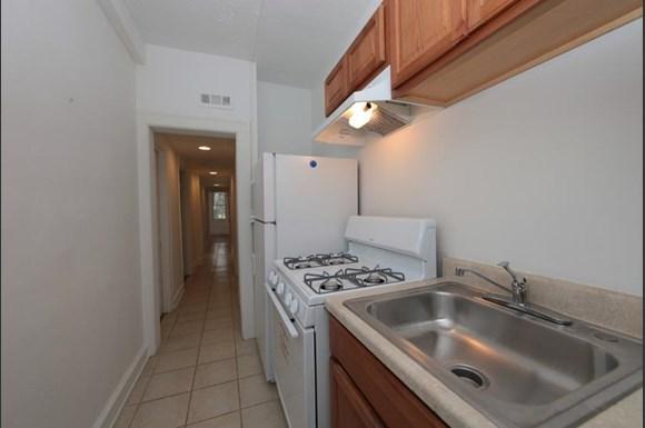 3512 Clifton Ave Apartments Baltimore Kitchen