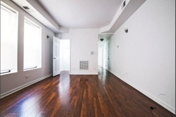 801 E Drexel Square Apartments Chicago Bedroom