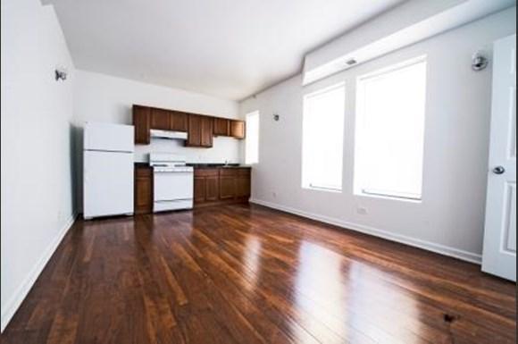 801 E Drexel Square Apartments Chicago Kitchen