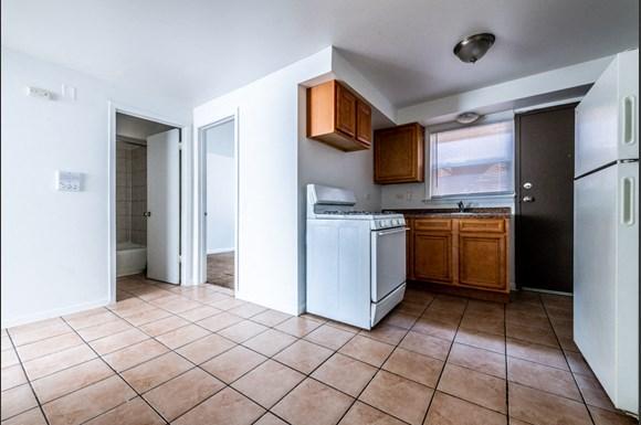 Eat-in Kitchen Pangea Riverdale Apartments