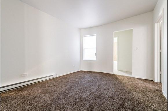 Austin Chicago, IL Apartments for Rent Living Room | 5100 W Monroe