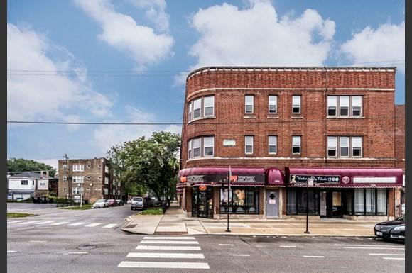 South Austin apartments for rent in Chicago   5125 W Madison