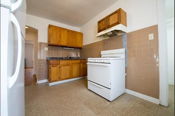 7801 S Kingston Ave Apartments Chicago Kitchen