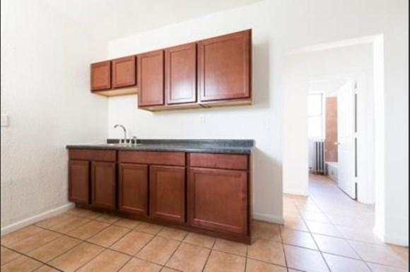 7400 S Yates Blvd Apartments Chicago Kitchen